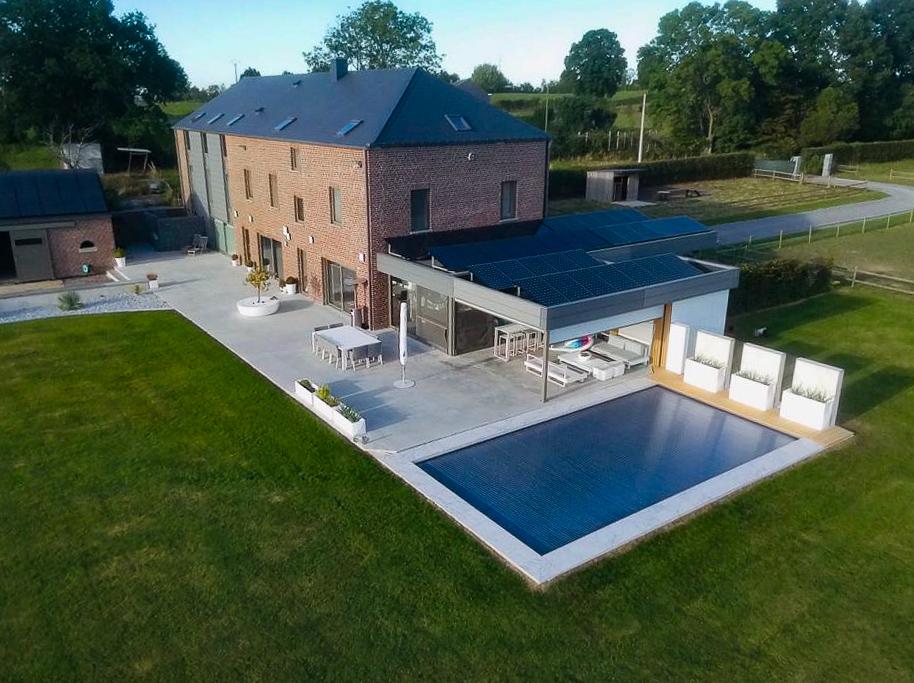 1.2. Renovation du bâtiment, construction d'une nouvelle écurie et d'une piscine extérieure